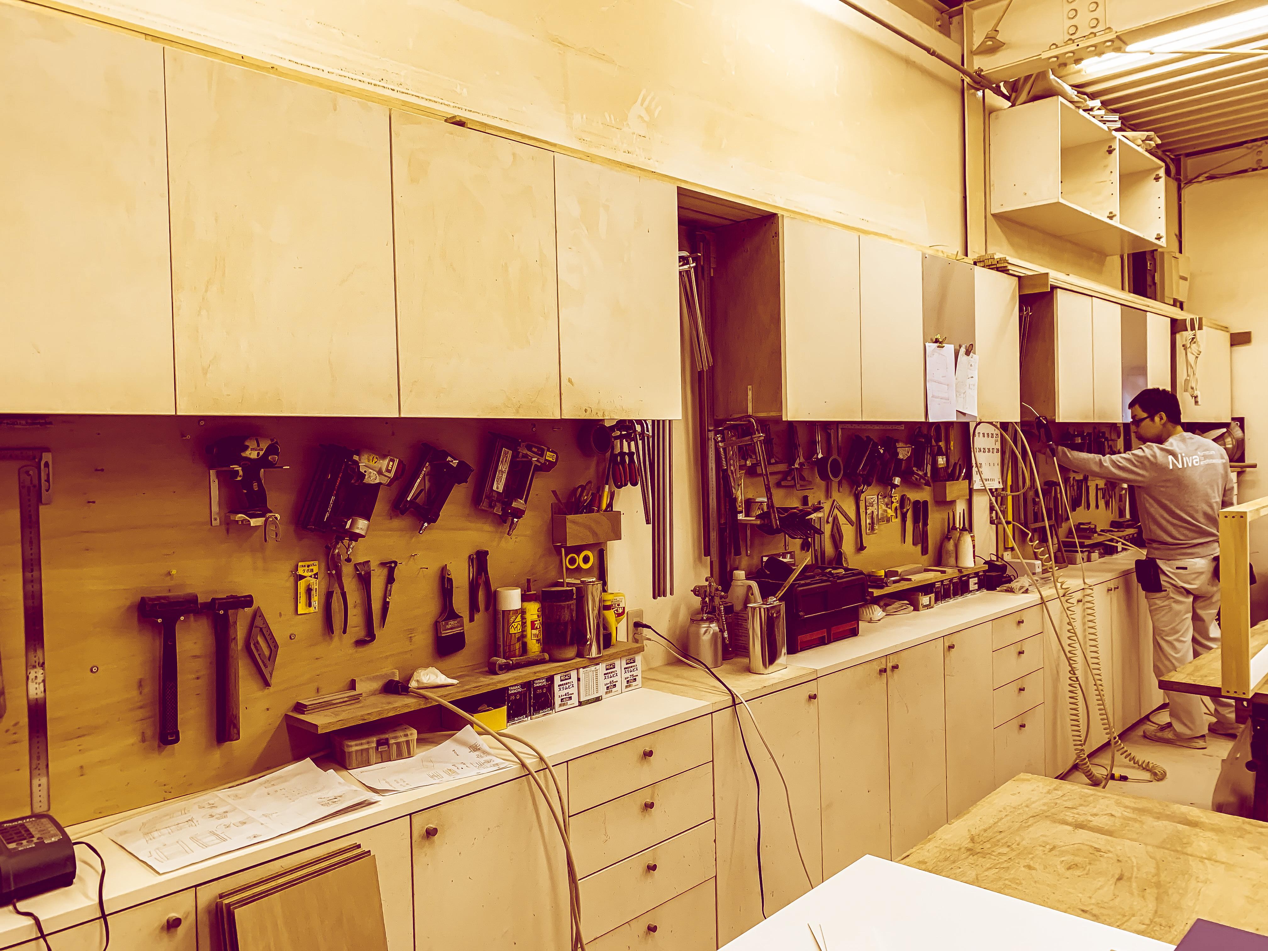 自社工場で製作をしています。